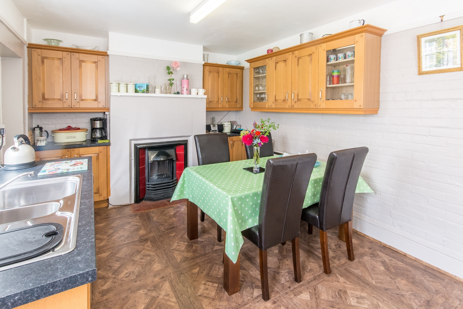 holiday home near wimborne dining area