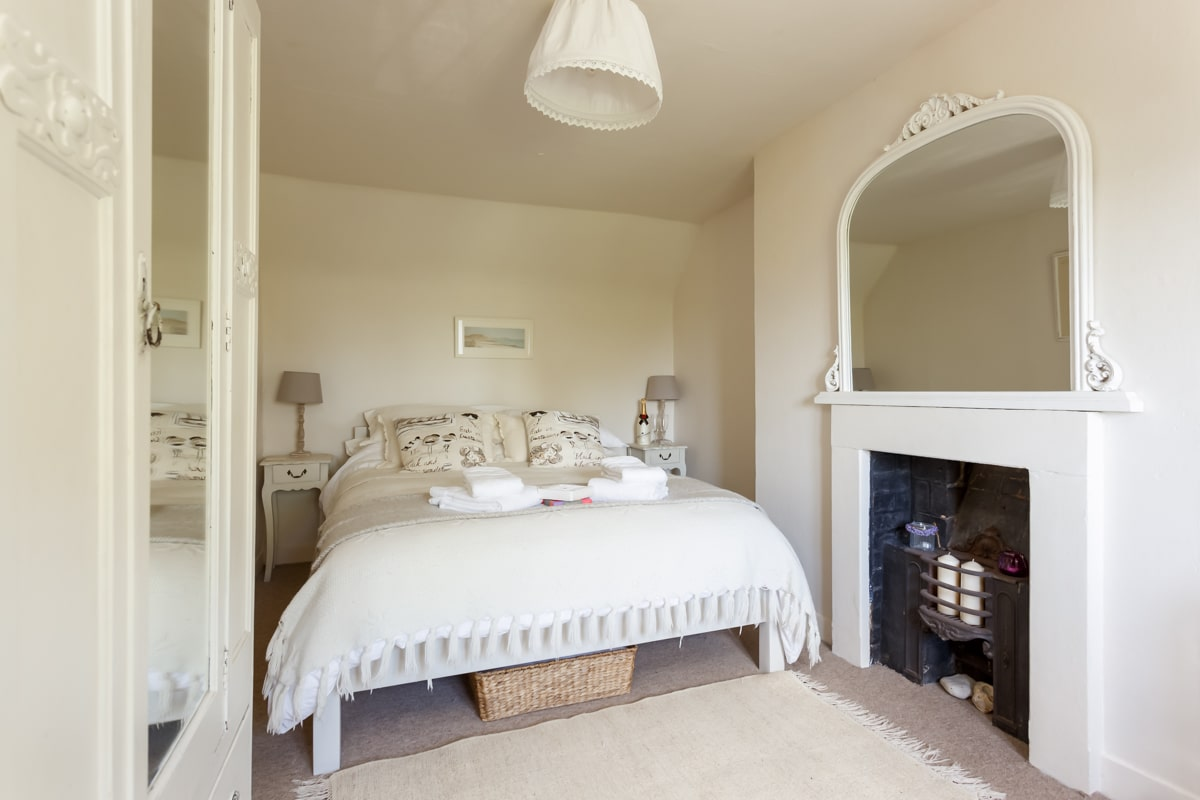luxury purbeck accommodation master bedroom