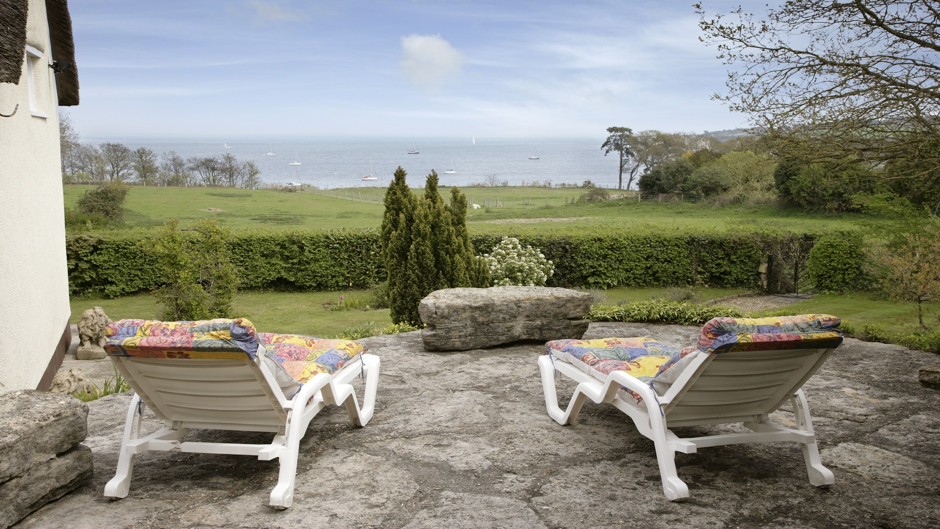 holiday cottage in studland garden patio