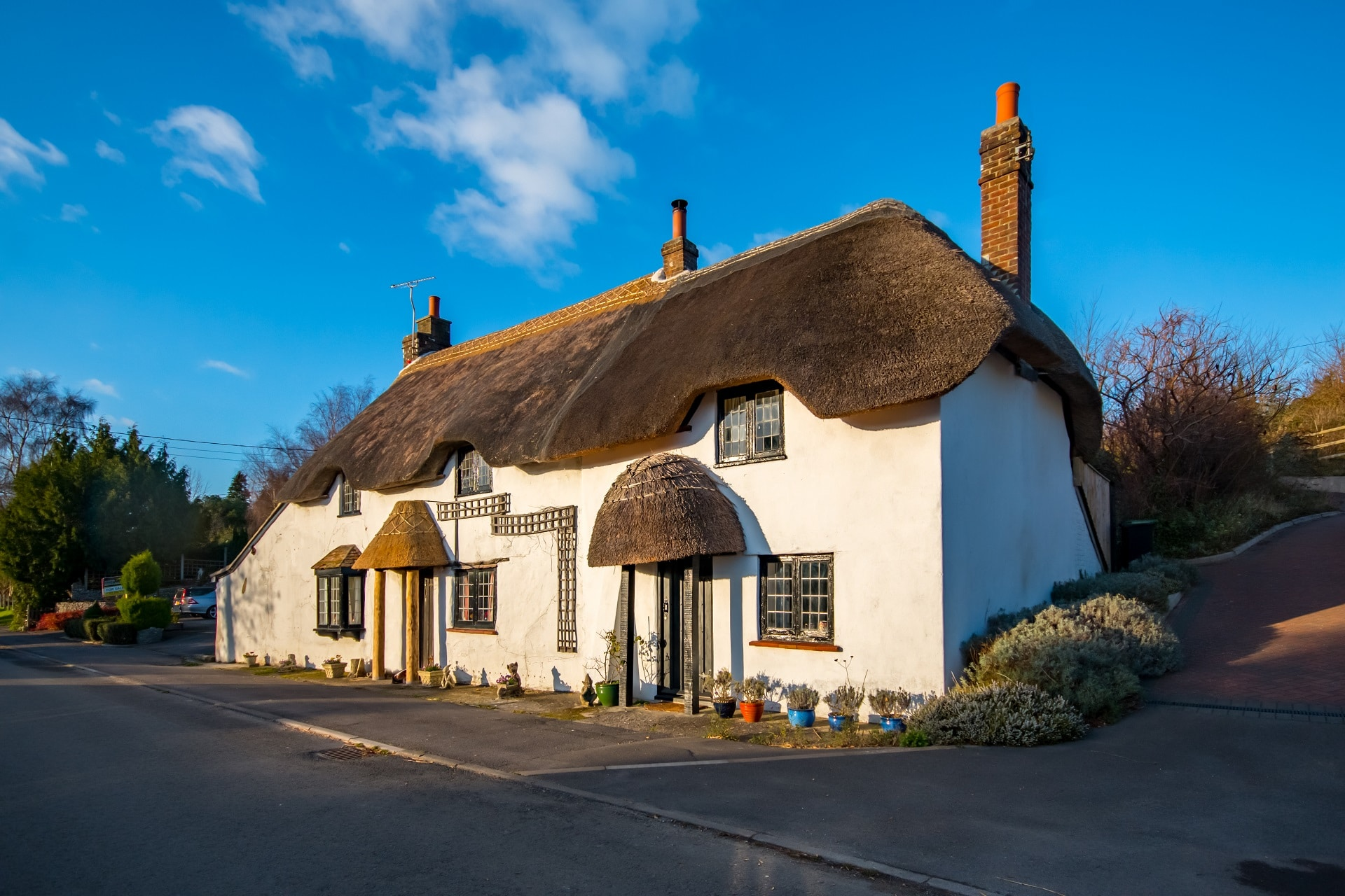 cosy thatched cottage exterior