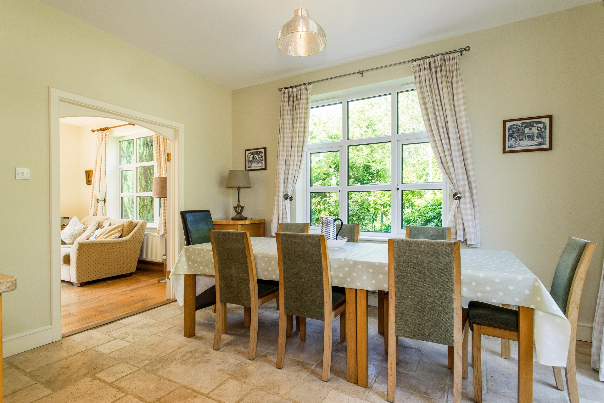 fabulous holiday home in church knowle dining room