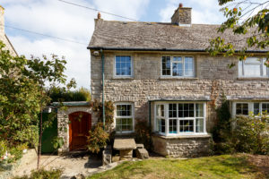 holiday cottages for september